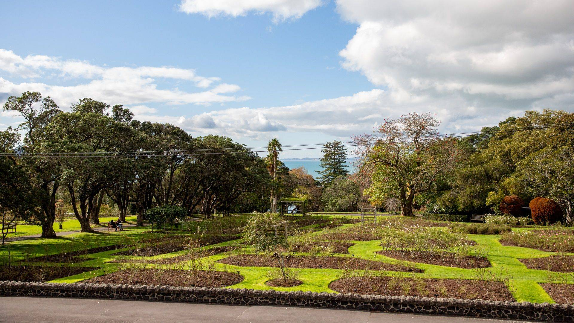 Auckland Rose Park Hotel Gardens