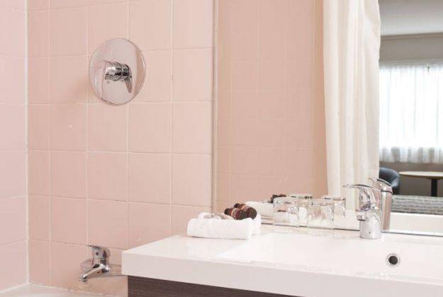 Standard Twin Bathroom