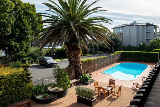 Auckland Rose Park Hotel Pool